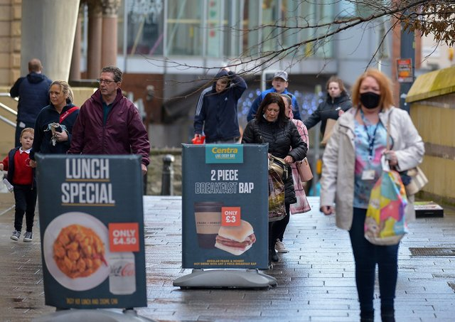November 2020: Shoppers in Derry's city centre prior to the lockdown and restrictions announced after Christmas.  Photo: George Sweeney  DER2047GS - 004
