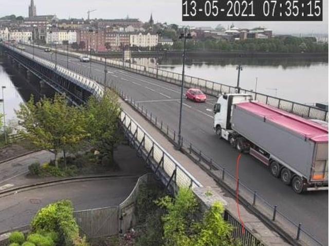 Traffic flowing again on the Craigavon Bridge after bomb alert.