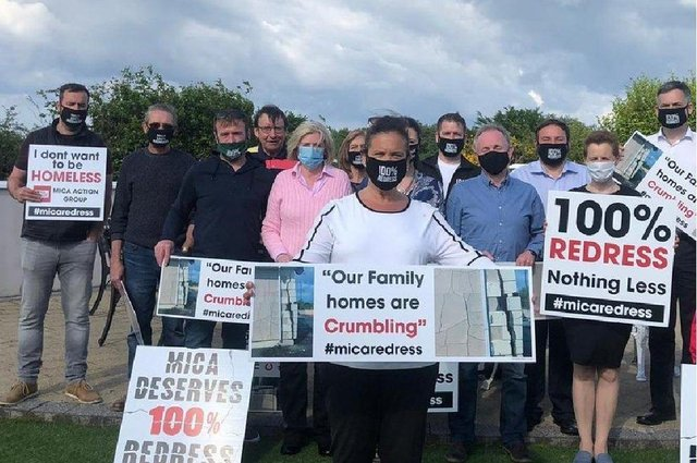 Sinn Féin leader Mary Lou with Mica affected families in Carndonagh on Thursday along with Donegal Sinn Féin TDs Padraig MacLochlainn and Pearse Doherty and Inishowen SF Councillor Albert Doherty.