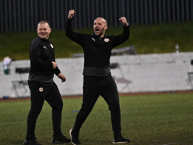 Paddy McLaughlin has agreed a new deal with Cliftonville