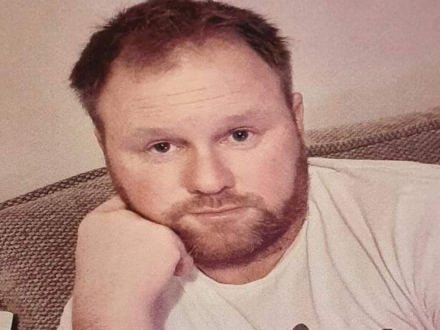 Police are seeking the public's help to locate Darren Donaghy.