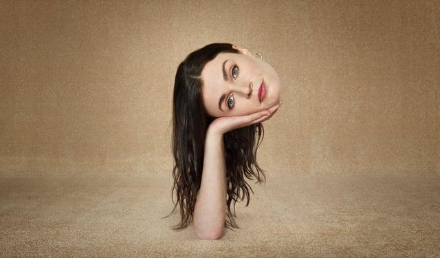 Áine (Aisling Bea)