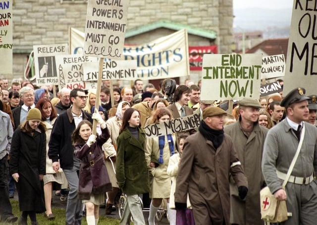 Extras, Bloody Sunday film 2001.
